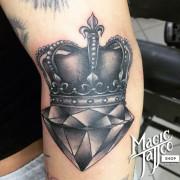 Korona, gyémánt tetoválás