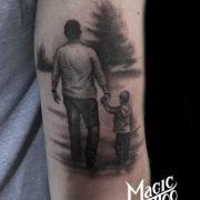 Gyeremek apa tetoválás