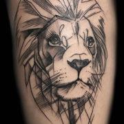 Minimál oroszlán tetoválás